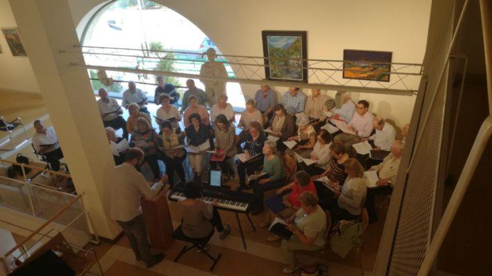 Ensayos del coro polif nico pe as arriba en la casa de cantabria en madrid casa cantabria de - Casa de cantabria en madrid restaurante ...